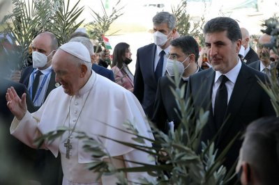 Pope Francis returns to Vatican after historic 3-day visit to Iraq