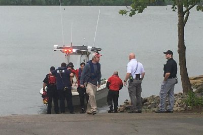 Plane carrying Christian leaders crashes into Tennessee lake; all presumed dead