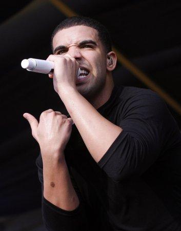 Drake up for 6 Juno Awards