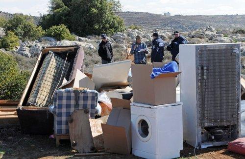 Israel PM urges evacuation of Migron