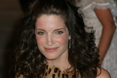 Stephanie Seymour faces new charges linked to DUI, aims for rehab