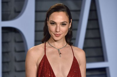 Gal Gadot congratulates Jason Momoa on 'Aquaman': 'Proud of you'