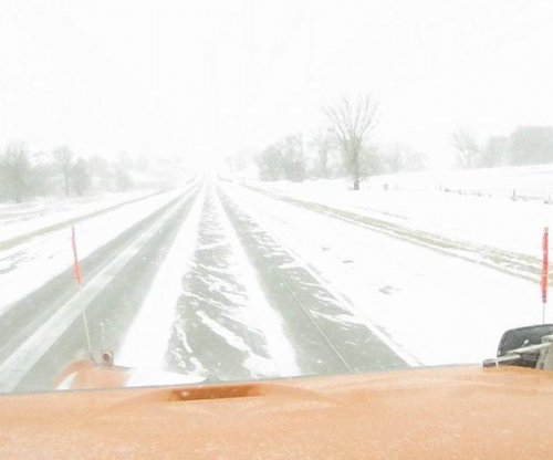 Weekend snow and ice target the Midwest