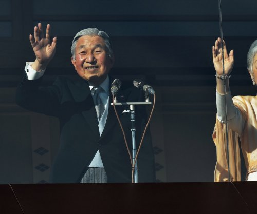 Japanese Emperor Akihito prays for peace in New Year's greeting