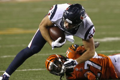 Texans TE Ryan Griffin arrested in Nashville; hotel window broken