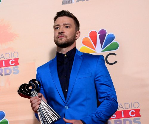 Jessica Biel gets shout out from Justin Timberlake at iHeart Radio Awards