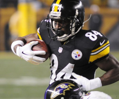 Pittsburgh Steelers discuss deal with Antonio Brown