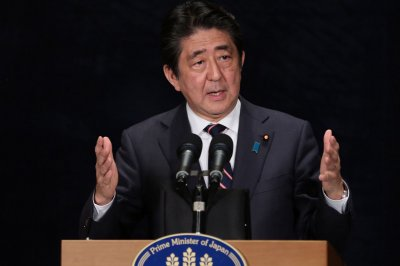 Japan's Abe to meet with Trump to 'build trust'