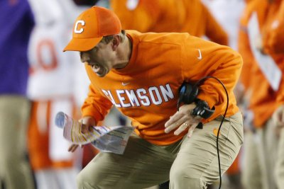 College football: Clemson faces challenge of repeating as national champ