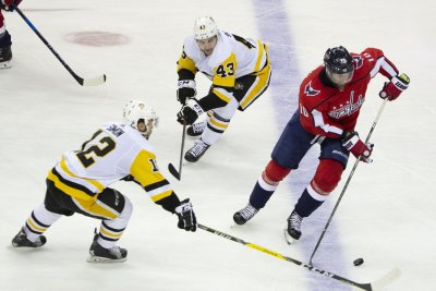 Capitals cruise past Penguins, tie Stanley Cup playoff series