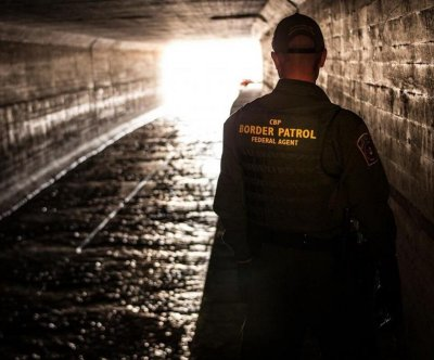 Southern border apprehensioins fall in March during pandemic