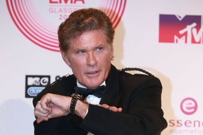 David Hasselhoff to play the father of Ian Ziering's Fin character in 'Sharknado 3'