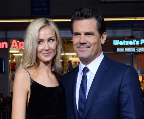 Josh Brolin engaged to former assistant Kathryn Boyd