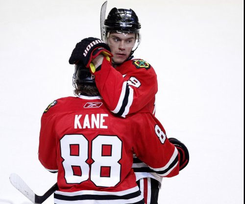 Artemi Panarin, Patrick Kane lead Chicago Blackhawks past New York Islanders