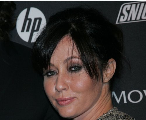 Shannen Doherty returns to red carpet after cancer diagnosis