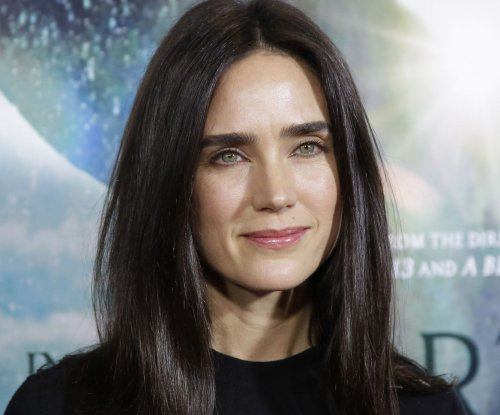Jennifer Connelly calls 'Labyrinth' co-star David Bowie a 'genius who had the time to be kind'