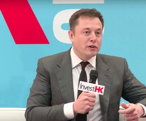 Elon Musk: SpaceX to make trip to Mars by 2025
