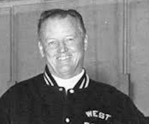 Former U.S. hockey coach Jack Riley dies at 95