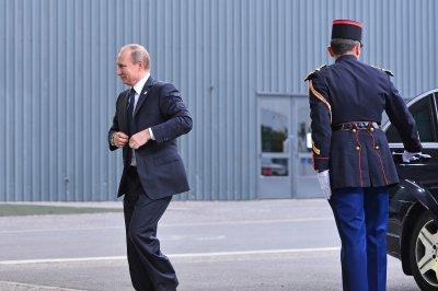 Kremlin: Nothing yet on privatizing oil company