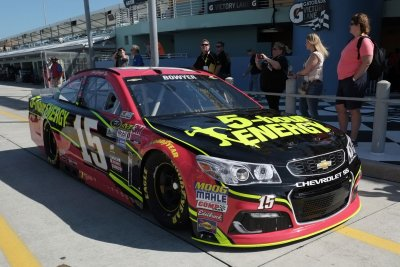 NASCAR weekend: Clint Bowyer enjoying role as the 'hunter'