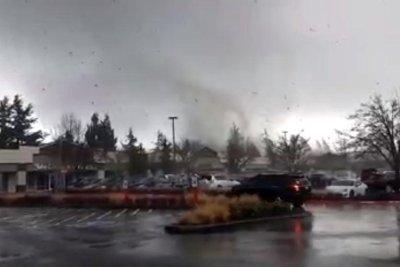 Tornado damages several homes in western Washington