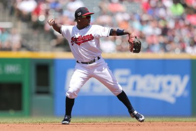 Cleveland Indians' Jose Ramirez fractures bone in hand, lands on IL