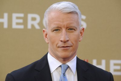 Anderson Cooper to host new political game show on CNN