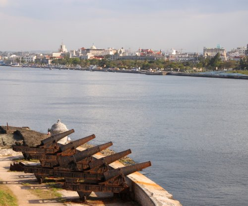 Report: Cuba may get oil help from Angola