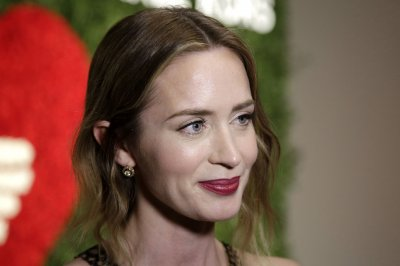 "Emily Blunt will star in ""Girl on the Train"""
