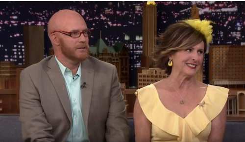 Will Ferrell, Molly Shannon perform royal wedding song on 'Tonight Show'