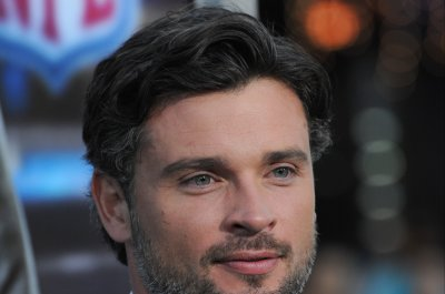 Tom Welling, Michael Rosenbaum have 'Smallville' reunion