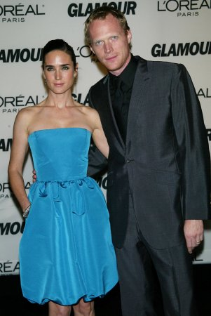 Connelly, Bettany selling N.Y. home