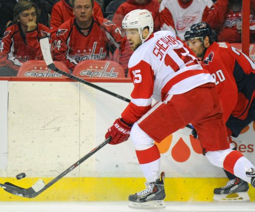 Detroit Red Wings hang on for win over Montreal Canadiens