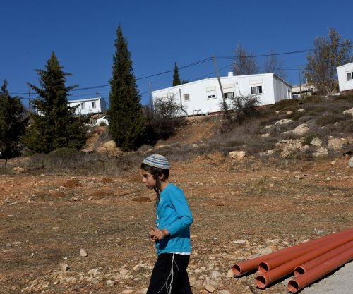 Demolition of Jewish outpost at Amona begins