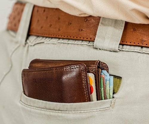 Stranger uses bank transfers to return man's lost wallet