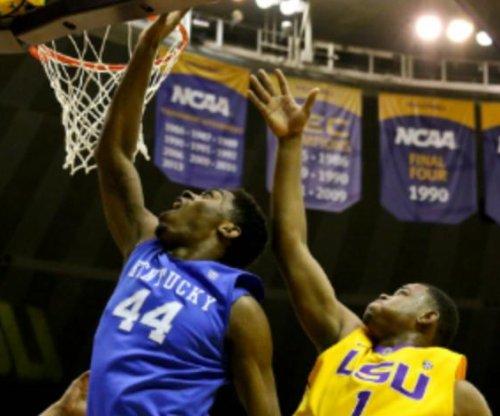 No. 1 Kentucky takes aim at South Carolina