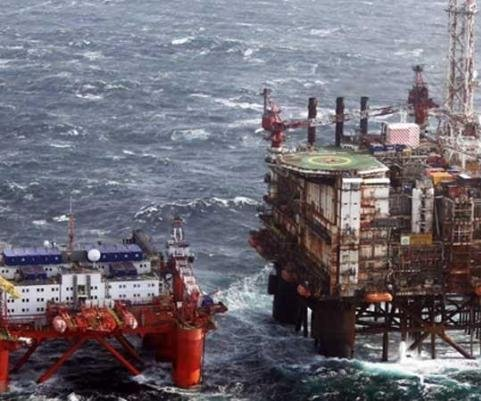 Wood Group cuts North Sea contractor rates