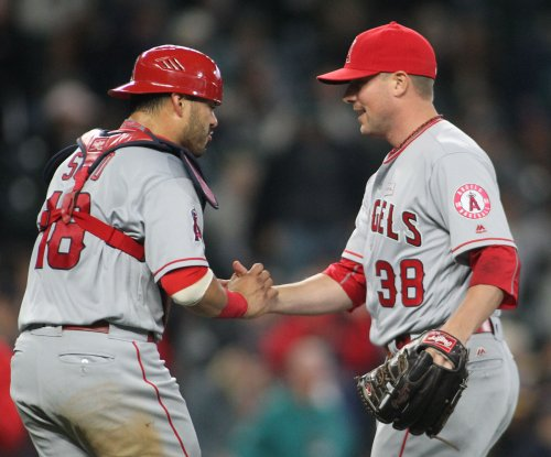 Cleveland Indians add veteran reliever Joe Smith to help bullpen