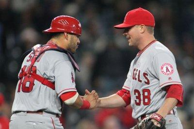 Cleveland Indians add veteran reliever Joe Smith to help bullpen