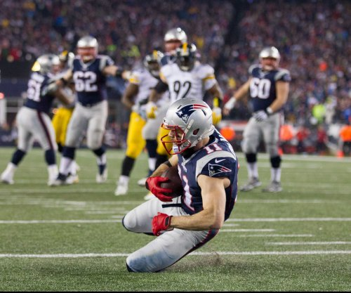 New England Patriots fear worst on Julian Edelman's knee injury