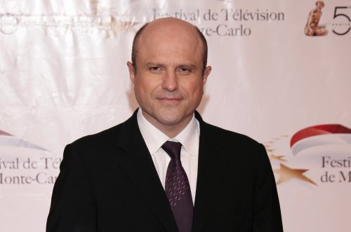 Enrico Colantoni signs on for 'Veronica Mars' revival
