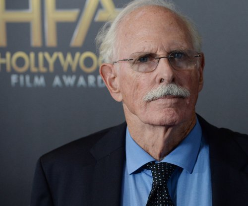 Bruce Dern recovering from possible hip fracture in jogging mishap