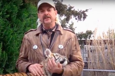 'Tiger King': Joe Exotic speaks out after judge awards his zoo to Carole Baskin