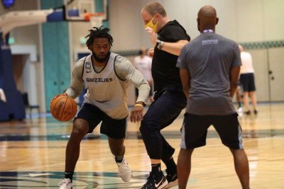 Memphis Grizzlies' Justise Winslow out for season with hip injury