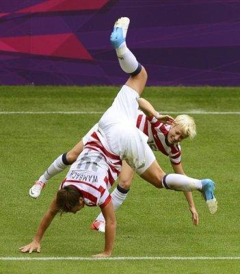 U.S. women reach Olympic soccer semis