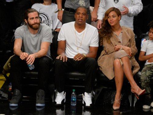 Jay Z, Beyonce show Justin Bieber's mugshot during Miami concert