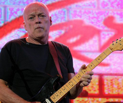 David Gilmour officially breaks up with Pink Floyd