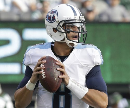 Tennessee Titans QB Marcus Mariota fractures right fibula, out for season