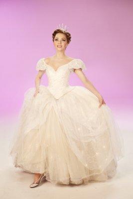 Carly Rae Jepsen, Fran Drescher prepare for 'Cinderella' roles