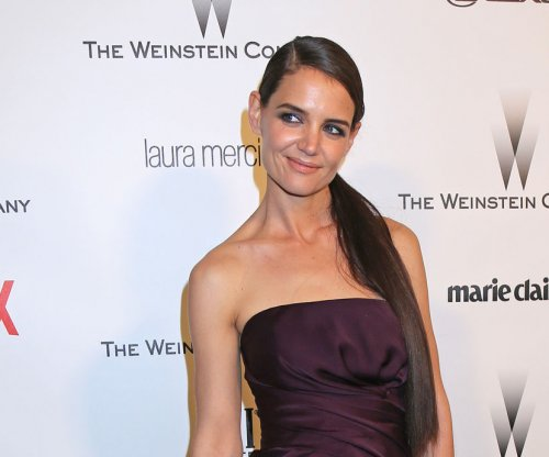 Katie Holmes, Jamie Foxx reignite relationship rumors with new photo